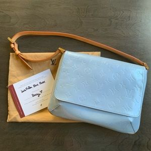 REPOSH Louis Vuitton blue Vernis Thompson